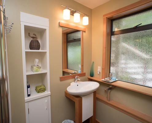 Salt Spring Accomodation in the Driftwood Suite